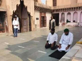 Photo of two youths praying in Mathura's Nandababa temple goes viral, case filed against 4