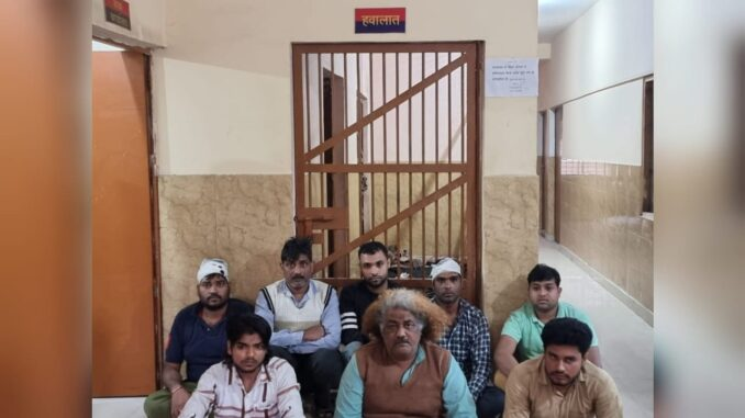 Shopkeepers created furore over minor incident, police arrested 8 accused after video cognizance