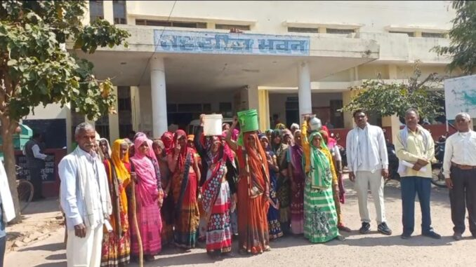 Electricity department did light of entire village, women protested with empty utensils
