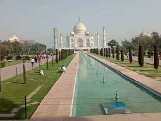 This moment became memorable for the women who came to see the Taj Mahal, thanks to the government