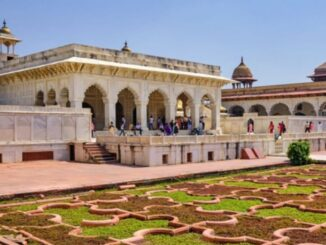The name of Agra Fort also came up in the Krishna Janmabhoomi case, claimed to be the suppressor of 'Shri Vigraha'