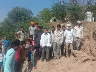 10-year-old girl falls on mud, family members create chaos