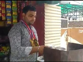 International player Hari Om Shukla forced to sell tea, did not get any help from the government